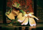 GIANT Puppet Show - Princess Thimbelina and Frog